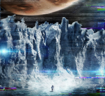 Europa-Report-poster-645x914