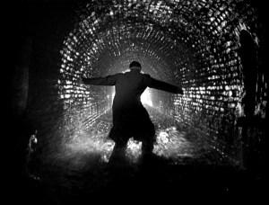La persecución de Harry Lime (Orson Welles) por las cloacas de Viena es una de las escenas más famosas de la película.
